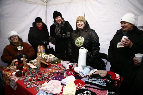 Prezidentūros kiemelyje vyko Kalėdų mugė