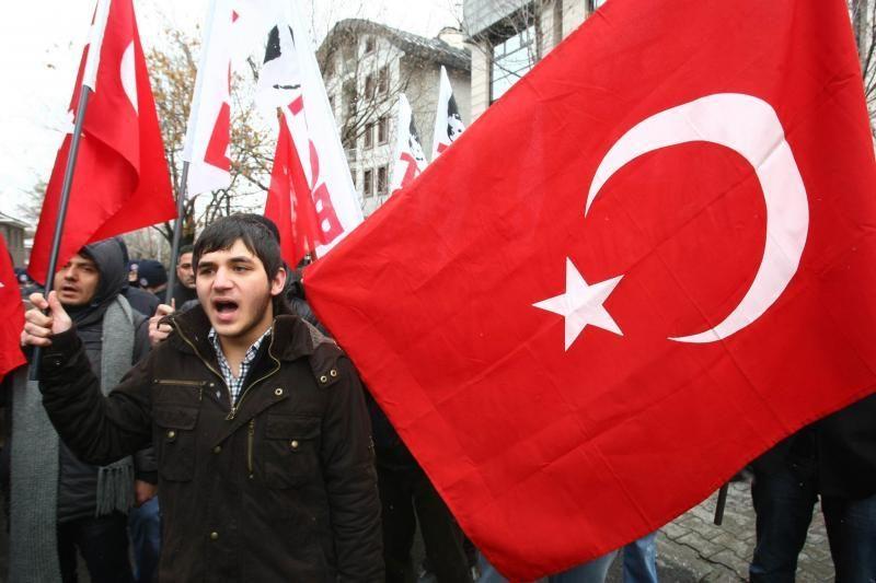 Turkijoje tūkstančiai pagerbė nužudyto armėnų žurnalisto atminimą