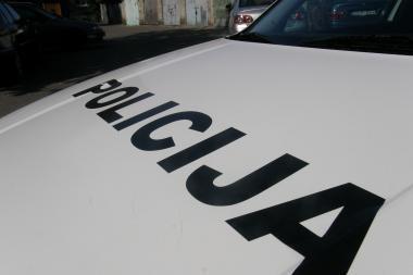 Policininkas su tarnybine mašina sukėlė avariją