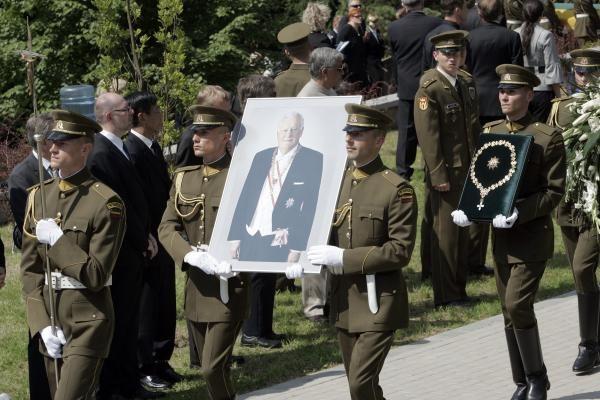 A.M.Brazausko laidotuvių išlaidoms - per 100 tūkst. litų