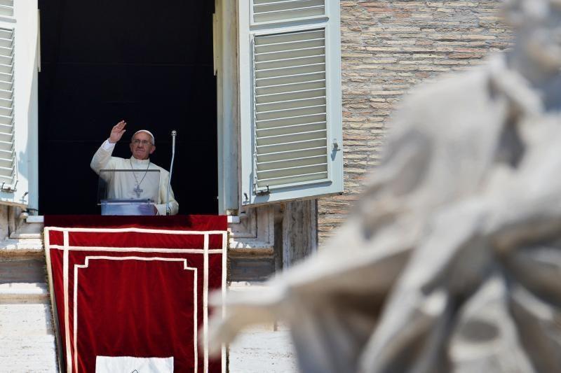 Popiežius pirmai kelionei iš Romos pasirinko Lampedūzos salą
