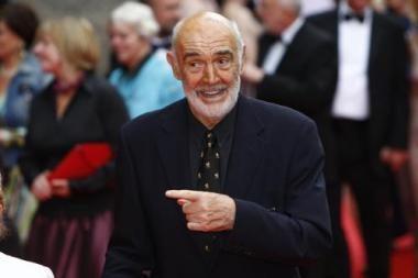 Škotijoje rastas apsinuoginusį britų kino aktorių S.Connery vaizduojantis paveikslas