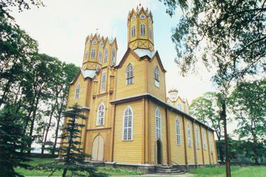 Restauruojama vienintelė Lietuvoje medinė neogotikos bažnyčia