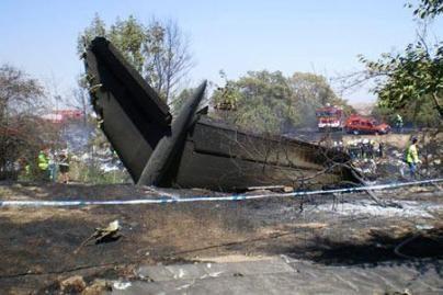Lėktuvo katastrofoje žuvo beveik visi keleiviai (video, nuotr.)