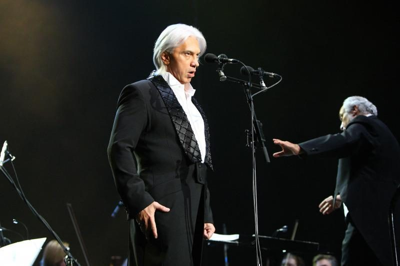 D.Chvorostovskis balsu ir kerinčia šypsena virpino klausytojų širdis