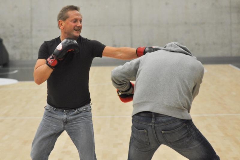 """""""Žalgirio"""" savininkas surėmė bokso pirštines su žurnalistu"""