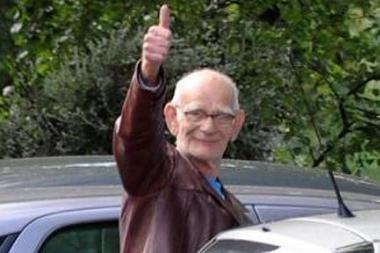 Breiką šokusiam pensininkui sumažinta invalidumo pašalpa