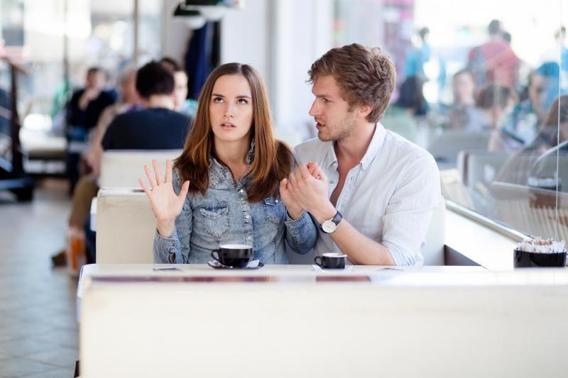 6 frazės, galinčios įskaudinti kiekvieną vyrą
