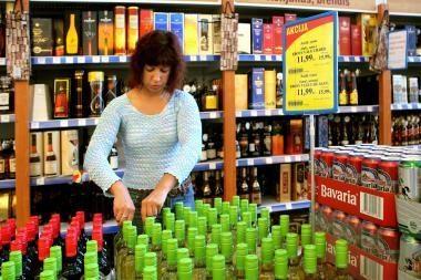 Britanijoje vietos valdžia galės drausti alkoholio pardavimo akcijas