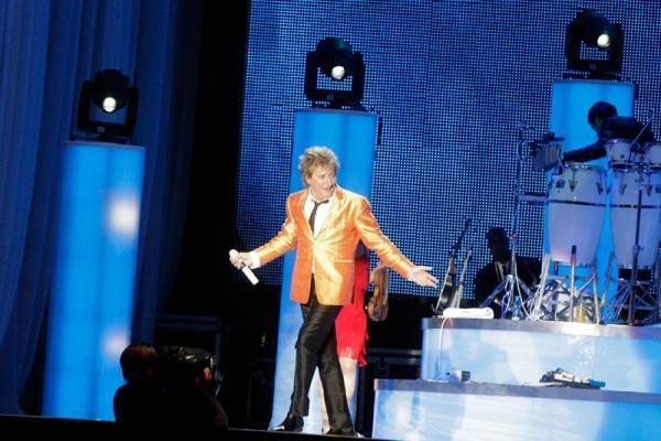 R.Stewarto koncertą lydėjo žaibai