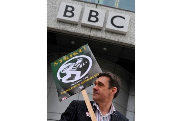 Britanijoje dėl BBC žurnalistų streiko sutriko laidų transliavimas