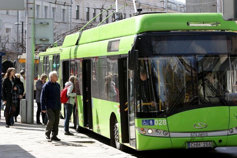 Viešojo transporto bilietai Kaune dar nebrangs