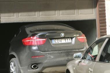 Garliavoje apšaudytas prašmatnus BMW