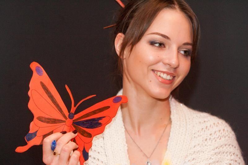 E. Anusauskaitė - Young rengiasi vestuvėms Lietuvoje