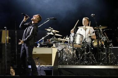 U2 pradėjo pasaulines gastroles dideliu koncertu Barselonoje