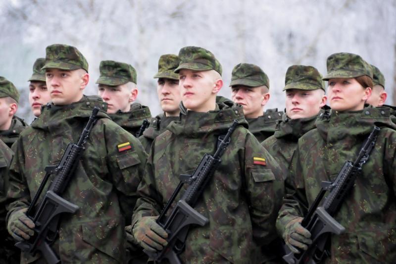 MRU pridės balą baigusiems karinius mokymus
