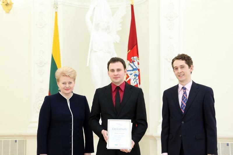 Apdovanoti geriausi 2012-ųjų mokslinių disertacijų autoriai