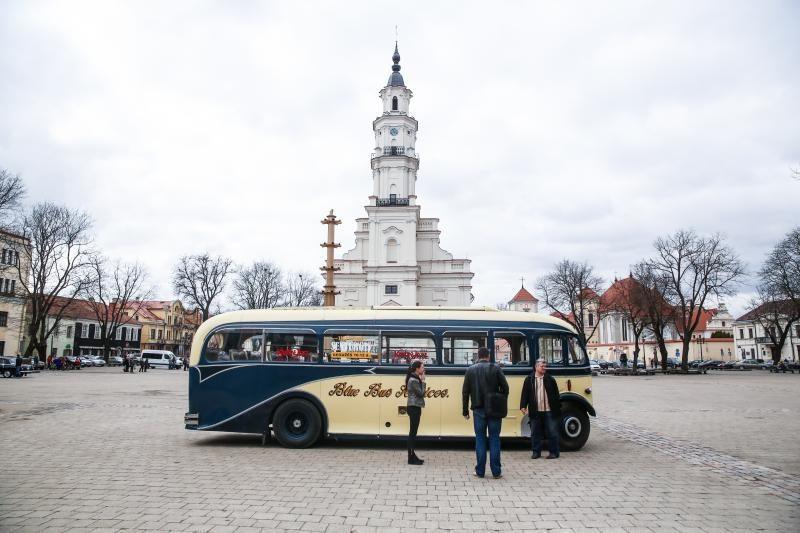 Kauno gatvėmis riedantis autobusas masina ne tik džiazo mylėtojus