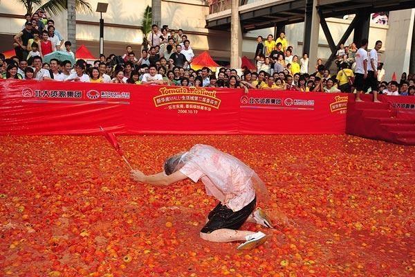 Pomidorų mūšis persikėlė į Kiniją