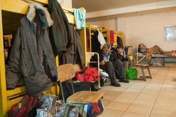 Į Vilniaus nakvynės namus praėjusią naktį plūdo benamiai