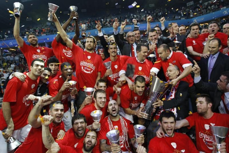 """Pirėjo """"Olympiacos"""" po penkiolikos metų vėl laimėjo Eurolygą"""