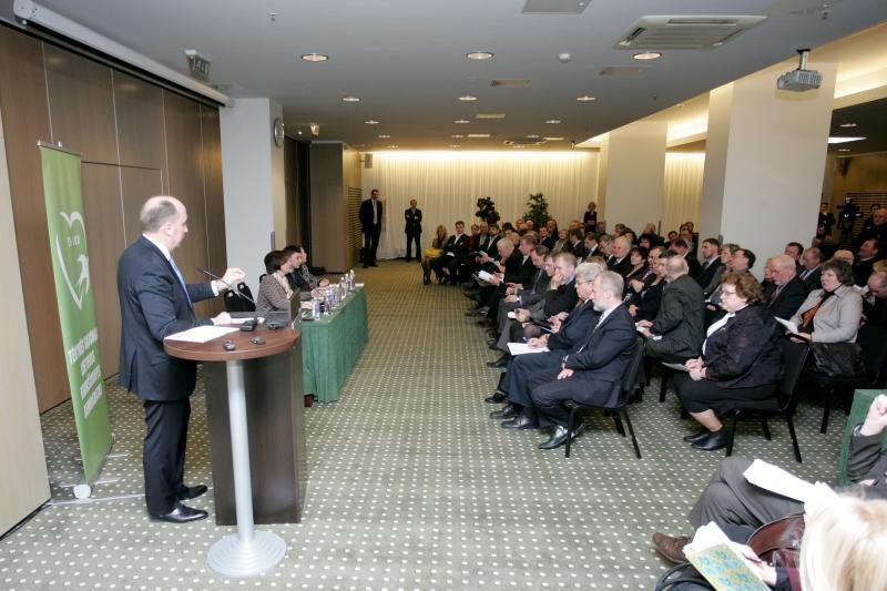 Premjeras: Lietuva gali tikėtis 2014-aisiais įsivesti eurą
