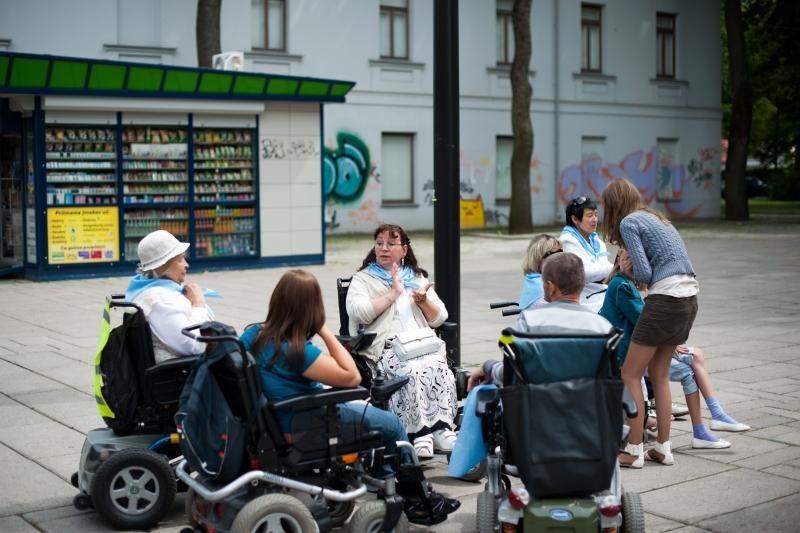 Neįgaliesiems kelionė prie jūros – neįkandama prabanga