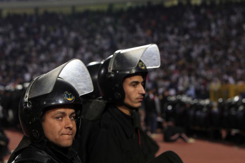 Egipte po futbolo aistruolių riaušių atleistas miesto saugumo vadovas