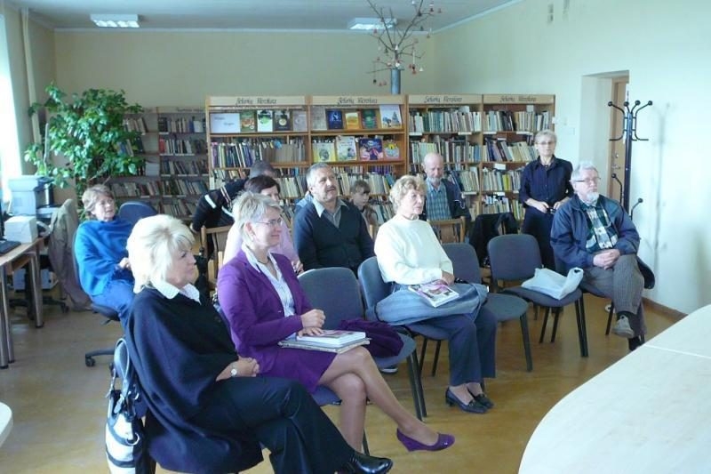 N.Venckienė savo knygą pristato kaimuose