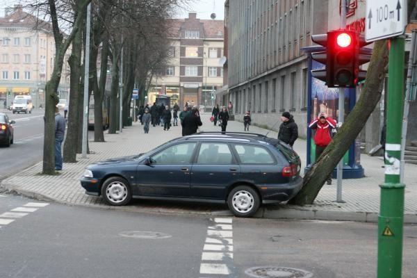 """Volvo"" taranavo visureigį"