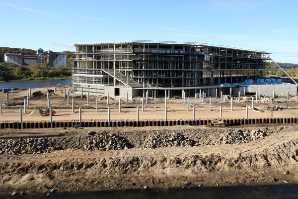 Kaunas ims ilgalaikę paskolą Žalgirio arenos viešajai infrastruktūrai plėtoti