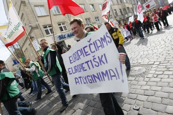 Klaipėdos profesinės sąjungos gegužės 1-ąją surengė mitingą (papildyta)