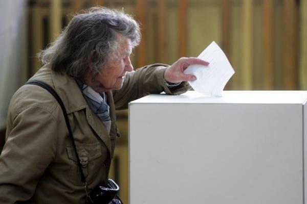 Seimas pritarė prezidentės pataisoms dėl nepartinių dalyvavimo rinkimuose
