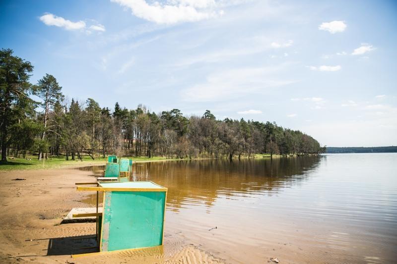Kauno paplūdimiuose – šiukšlės ir plaukiojantis biotualetas