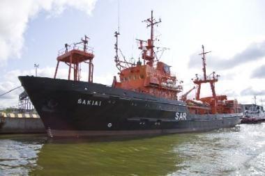 """Uosto laivas """"Šakiai"""" perduotas kariškiams"""