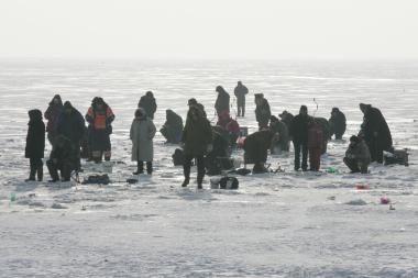 Kuršių mariose išgelbėti žvejai