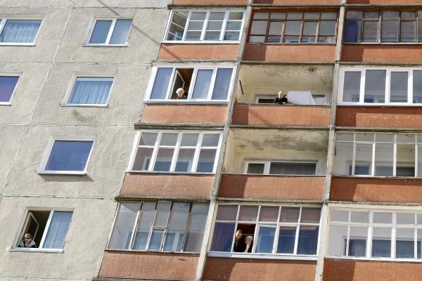 Klaipėdoje užsimušė iš devinto aukšto iššokusi moteris