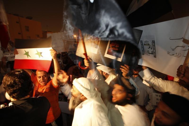 Arabų Lyga ragina Siriją pašalinti iš gatvių tankus