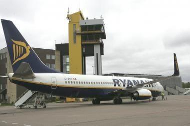 """""""Ryanair"""" skelbia parduodanti milijoną bilietų po 24 litus"""