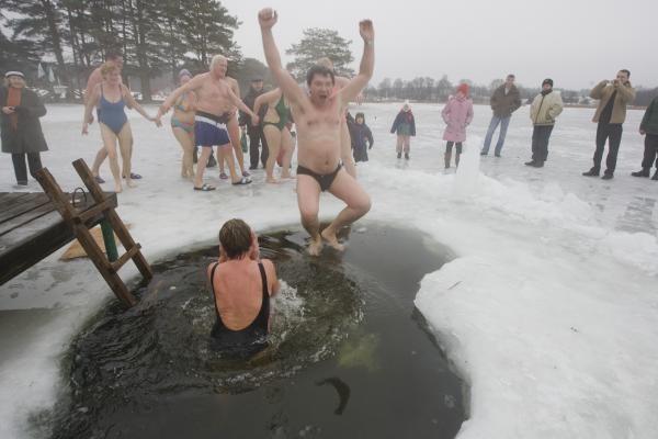 Vilniaus ruoniai iš peties sudrumstė Salotės ežerą