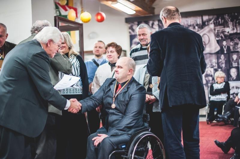 Neįgalūs sportininkai pagerbti už ryžtą siekti pergalių