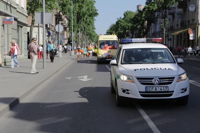 Klaipėdos moksleiviams aidėjo paskutinis skambutis