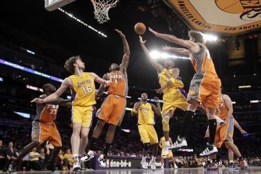 """Antroji iš eilės """"Lakers"""" pergalė NBA Vakarų konferencijos finale"""