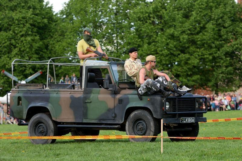 KAM nori, kad už kariuomenės mašinas nereikėtų mokėti kelių mokesčio