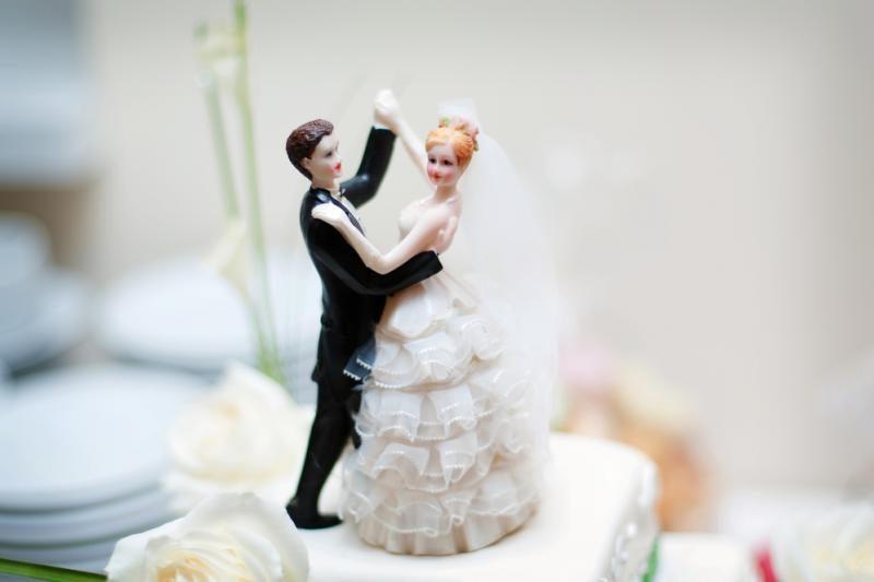 Statistika: mažėja santuokoje gyvenančių žmonių