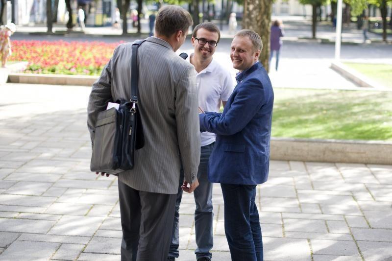 """Su opozicija susitikęs Kauno meras: """"kalbėjomės apie rugsėjo 1-ąją"""""""
