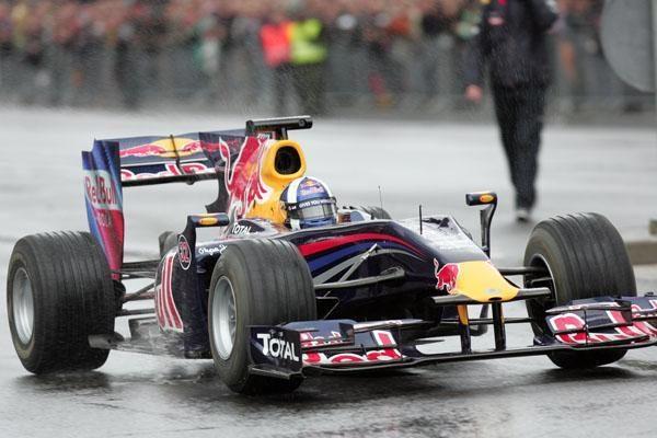Vilnius išvydo, ką sugeba Davidas Coulthardas
