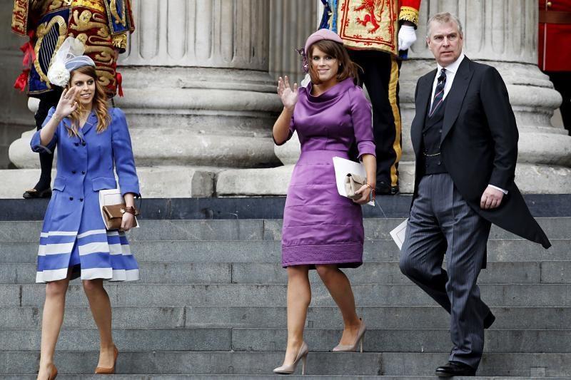 Britų karalienė dalyvauja jubiliejaus pamaldose