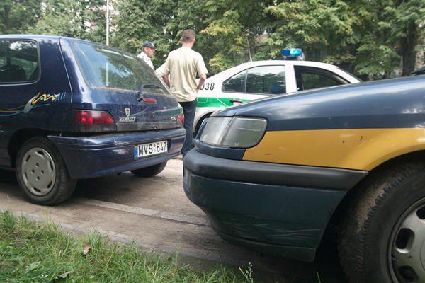 Sąmonę praradęs taksistas Vilniuje sukėlė avariją