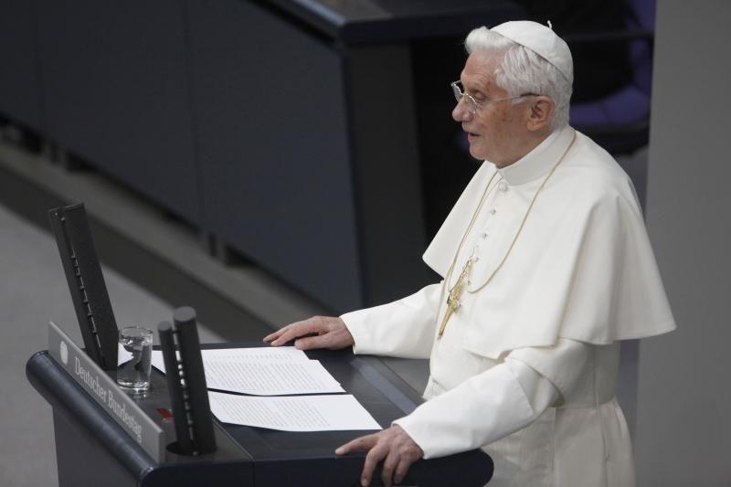 Benediktas XVI: negalima besąlygiškai paklusti rinkos taisyklėms
